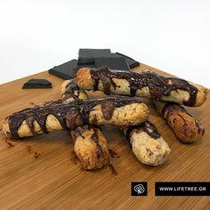 Λαχταριστά πουράκια αμυγδάλου! Butcher Block Cutting Board, Deserts, Cookies, Cake, Crack Crackers, Desserts, Food Cakes, Postres, Cookie Recipes