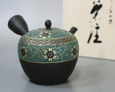 "玉光作 青粒唐草急須 / ""Japanese teapot for greentea""""Japanese pottery"" Tokoname Kutani Aochibu arabesque teapot by Gyokko"