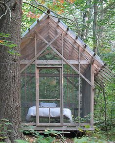 georgianadesign:  Vermont summer sleeping 'cabin' with suspended bed. Bluetime Collaborative.