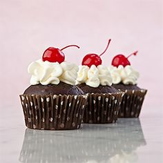 Want chocolate? Make these easy Gluten Free Chocolate Sundae Cupcakes. Ready to eat in less than 30 minutes.