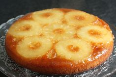 Spilled cake with pineapple (Mine, not Cuisine et Vins de France) - At Requia, Cuisine and Confidenc Desserts With Biscuits, Köstliche Desserts, Delicious Desserts, Yummy Food, Dutch Recipes, Sweet Recipes, Cake Recipes, Dessert Recipes, Easy Cooking