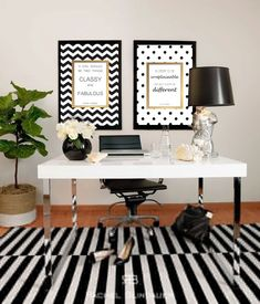 Black and White Room Decor: Black and white office inspiration, girl boss gold foil print and white desk with black lamp Home Office Space, Home Office Design, Home Office Decor, Corporate Office Decor, Office Spaces, Office Ideas For Work Business Decor, At Home Office Ideas, Decorating Office, Office Inspo