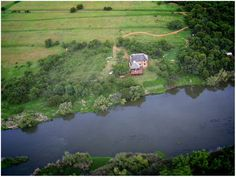 On the Schoemanshof private hideaways, steeped in Dome history , you can take a hike or do some fishing or simply relax in the self-catering chalets on the banks of the Vaal River.