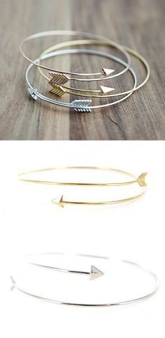 Follow your arrow wherever it points! Delicate and simple, this bracelet looks great stacked or on its own.