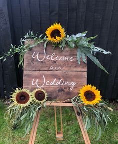 Excited to share this item from my shop: Wedding Sign - Wedding name sign. Excited to share this item from my shop: Wedding Sign - Wedding name sign - Rustic Wedding sign - reclaimed wood s. Wedding Name, Rustic Wedding Signs, Diy Wedding, Wedding Ideas, Rustic Signs, Decor Wedding, Dream Wedding, Wedding Entrance Decoration, Country Wedding Themes