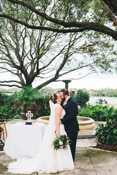first kiss during wedding ceremony Mission Inn Resort Legends Florida Wedding Venues, Best Wedding Venues, Outdoor Wedding Venues, Hotel Wedding, Outdoor Ceremony, Wedding Ceremony, Warehouse Wedding, Mission Inn, Club