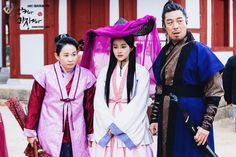 Drama Shine or Go Crazy. Korean Traditional clothes #hanbok
