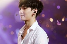 EXO Lay - Yixing looking adorablee<3