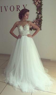 2016 A-line Wedding Dresses Sheer Lace Appliques Top Elegant Bridal Gowns
