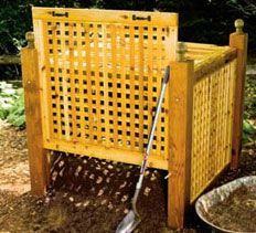 i prefer pallets, but a nice idea for ppl concerned with the aesthetics of a compost bin. DIY Compost Bin Idea Using Wood Lattice Sheets.
