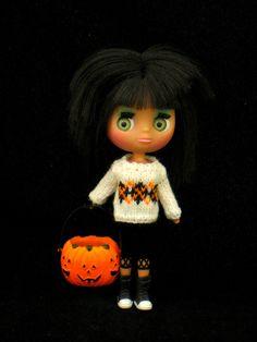 Argyle sweater for Petite Blythe - White  EEEEP!!