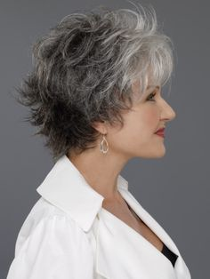 Easy Chic Medium Wavy Hair styles for women over Hair Styles For Women Over 50, Medium Hair Styles, Short Hair Styles, Natural Hair Styles, Short Grey Hair, Short Hair With Layers, Short Hair Cuts, Short Pixie, Pixie Cut