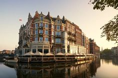 De L'Europe Amsterdam Amsterdam De L'Europe Amsterdam offers luxurious accommodation along the Amstel River, in the heart of the city. This 5-star hotel includes a fitness area, spa and wellness facilities and a waterside terrace. Valet parking is available at an additional charge.