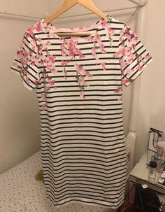 My Outfit, Clothing, Mens Tops, T Shirt, Fashion, Outfits, Supreme T Shirt, Moda, Tee Shirt