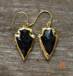Treasure Jewelry l Bohochic Hand Made Jewelry Inspired By Nature Tribal Earrings, Unique Earrings, Gemstone Earrings, Dangle Earrings, Obsidian Stone, How To Make Earrings, Gold Pendant Necklace, Bohemian Jewelry, Jewelry Trends