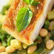 Loup rôti et pistou de légumes verts - une recette Poisson - Cuisine