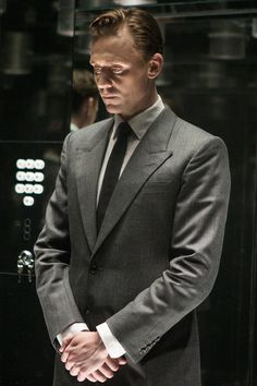 Tom Hiddleston as Dr Laing in High-Rise. Full size image [UHQ]: http://i.imgbox.com/ma9x14sP.jpg Source: http://www.thejokersfilms.com/films/high-rise/ Via Torrilla, Weibo