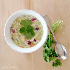 Detox Foods: Cleansing Veggie Cabbage Soup {click for recipe}