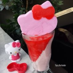 THE KITTY PLEASURE Pink Layer: Strawberry Vodka Strawberry Ice Cream Ice Blend Allow to solidify at a tilted angle in the freezer Red Layer: Happy Juice Express 4 Red Twin Popsicles Ice Blend Top with a Hello Kitty Popsicle Alcoholic Drinks To Make, Drinks Alcohol Recipes, Strawberry Vodka, Strawberry Ice Cream, Bar Drinks, Cocktail Drinks, Refreshing Drinks, Yummy Drinks, Funny Cocktails