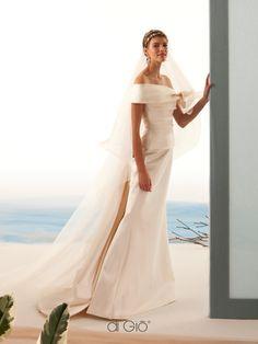 New Collection 19 | #lesposedigio #bridaldress #madeinitaly | www.lesposedigio.com