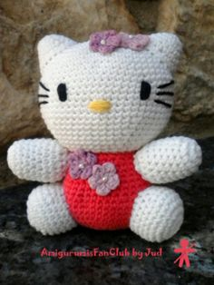 Crocheted by AmigurumisFanClub, ...free pattern!!! http://amigurumies.blogspot.com.es/search/label/Hello%20Kitty