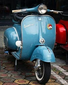 """The Vespa is a line of scooters patented on April 1946 by the company Piaggio & Co, S. The name Vespa, which means """"wasp"""" in Italian, was chosen by Enrico Piaggio. Vespa Vbb, Piaggio Vespa, Lambretta Scooter, Vespa Scooters, Triumph Motorcycles, Vintage Motorcycles, Custom Motorcycles, Vespa Girl, Scooter Girl"""