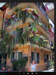 Italy! Now that's balcony-gardening :D