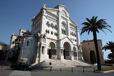 Come visit the beautiful Roman-Byzantine-style Monaco Cathedral, of St. Nicolas, which houses the burial places of past sovereigns, including Prince Rainier and Princess Grace.    Free admission, outside of religious services, between 8.30am – 7pm (6pm during the winter.)