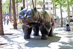 El gato del Raval obra del artista colombiano Fernando Botero. Barcelona