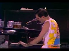Bohemian Rhapsody (Live at Wembley I don't care if he was white, black or plaid, had Aids, Leprosy or cancer, his talent is undeniable and am a forever fan. Old Music, Music Mix, Sound Of Music, Kinds Of Music, Music Love, Live Music, We Are The World, Yesterday And Today, Greatest Songs
