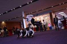 PROFESSIONAL PARKOUR BUSINESSMEN http://streets-united.com/blog/surprise-entertainments-events/