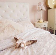 Gabi Demartino her bedroom