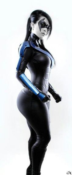 Nightwing Stance by *VampBeauty. I like the idea of a female Nightwing. Maybe for Batman:Beyond. Nightwing Cosplay, Batman Cosplay, Dc Cosplay, Cosplay Anime, Cosplay Outfits, Best Cosplay, Cosplay Girls, Cosplay Costumes, Female Cosplay