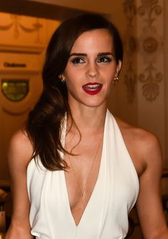 Emma Charlotte Duerre Watson born 15 April, 1990 (age in Paris, France. She is famous actress, model and activist best known as Emma Watson. Style Emma Watson, Emma Watson Sexy, Emma Watson Belle, Ema Watson, Emma Watson Sexiest, Emma Watson Beautiful, Emma Watson Fashion, Celebs, Celebrities