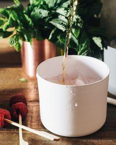 raspberry mint julep recipe - www.iamafoodblog.com #raspberries #mint #julep #recipe #drinks