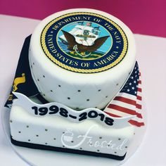 20 years in he navy rates a retirement cake like this! Retirement Party Cakes, Military Retirement Parties, Retirement Celebration, Retirement Party Decorations, Retirement Ideas, Army Cake, Military Cake, Military Gifts, October Birthday Parties