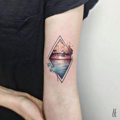 // Sunset 🌅🍹 #yelizozcan #designbyyelizozcan #tattooer #tattooist #instatattoo #ink #inked #tattooartist #tattoodesign #tattooart #tattoooftheday #tattooink #bodyart #instaart #tattooink #amazingink #design #sketch #art #abstrac  #colorful #colorfultattoo #watercolor #customdesign #sunset #geometrictattoo #equilattera #tattrx #minimaltattoo