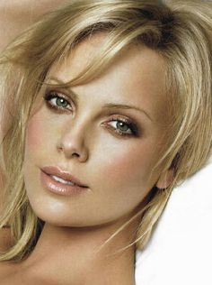 Mimic the Muse: Charlize Theron http://thedailymark.com.au/beauty/mimic-muse-charlize-theron