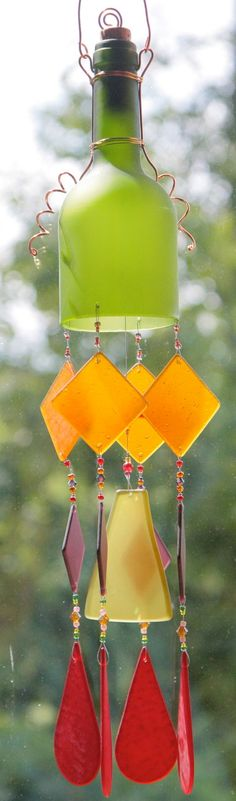 recycled wine bottle chime out of a green wine bottle which has been tumbled to give the glass a soft frosted finish. Wine Bottle Chimes, Wine Bottle Corks, Wine Bottle Crafts, Bottles And Jars, Glass Bottles, Wine Craft, Ideias Diy, Recycled Glass, Wind Chimes
