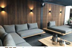 Diy Furniture Sofa, Pallet Patio Furniture, Outdoor Seating Areas, Garden Seating, Small Sitting Areas, Modern Outdoor Wall Lighting, Wooden Sofa Set, Casa Patio, Balkon Design