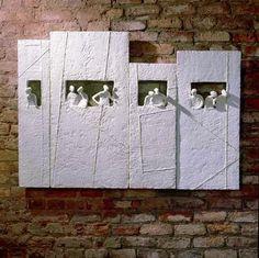 Esma Paçal Turam ( paper and silicone ) 1963 Born in Istanbul. 1987 Graduating from the U. Paper Mache Sculpture, Sculptures Céramiques, Sculpture Art, Art Diy, Ceramic Wall Art, B 13, Ceramic Figures, Paperclay, Clay Art
