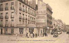 Un jour à #Nantes, au-dessus du café de la Duchesse-Anne, les murs ont déjà la parole par la pub peinte, 1930