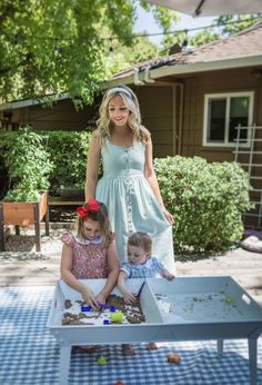 The Kate Midi dress is perfect for the mother who enjoys the small moments. Nursing, breastfeeding and pumping functional. Breastfeeding Dress, Breastfeeding And Pumping, Nursing Wear, Small Moments, Chambray, Stylish Outfits, Fashion Dresses, Summer Dresses, Chic