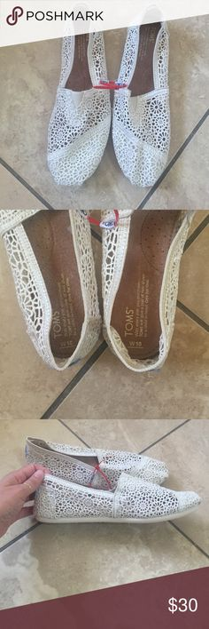 New ivory Toms New ivory colored TOMS with a flowery lace pattern TOMS Shoes Sneakers