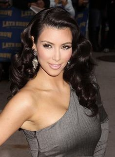 Love this Old Hollywood glam hair-do for my wedding but with the hair to the side
