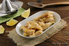 Il pollo limone e mandorle è un secondo piatto semplice e saporito, molto semplice da realizzare per portare in tavola un piatto sfizioso in poco tempo!
