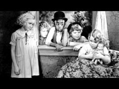Our Gang, also known as The Little Rascals or Hal Roach's Rascals, was a series of American comedy short films about a group of poor neighborhood children an. Classic Tv, Classic Movies, Comedy Short Films, Hal Roach, Retro Pictures, Retro Pics, Star Pictures, Child Actors, Old Tv Shows
