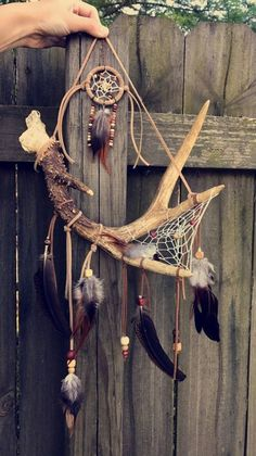 Articles similaires à Deer Antler Dream Catcher sur Etsy Deer Antler Crafts, Antler Art, Deer Antlers, Dream Catcher Decor, Dream Catcher Mobile, Dream Catcher Native American, Dream Catcher Tutorial, Driftwood Art, Arts And Crafts