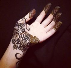 when we think of mehndi, first comes to our mind is to apply it on the palm. Here we have the collection of 15 best palm mehndi designs for this Mehandi Designs, Henna Flower Designs, Finger Henna Designs, Arabic Henna Designs, Unique Mehndi Designs, Beautiful Mehndi Design, Latest Mehndi Designs, Mehndi Designs For Hands, Henna Tattoo Designs