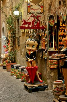 A street scene in Orvieto, Italy You know I have to go & see Betty. lol